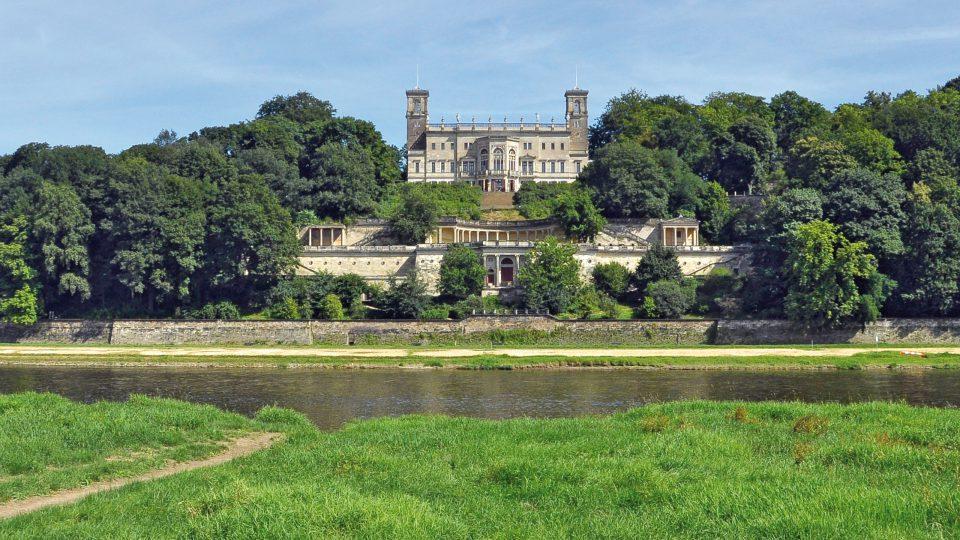 Dresden-Striesen: Blick auf die andere Elbseite mit Schloss Albrechtsberg